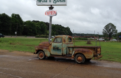 New Albany Wine and Spirits - New Albany, MS