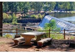 High Falls Hide-A-Way Lodge - Barnesville, GA