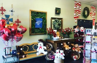 Divine Floral & Gifts - Arlington, TX