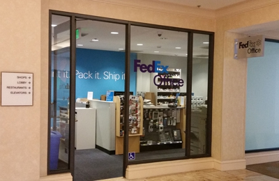 FedEx Office Print & Ship Center - San Diego, CA