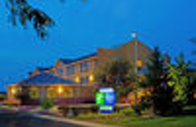Holiday Inn Express & Suites Chicago-Oswego - Oswego, IL