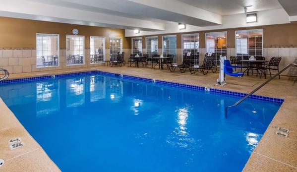 Best Western Plus Pioneer Park Inn - Fairbanks, AK