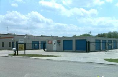 Ordinaire River City Storage   New Braunfels, TX