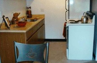 Anthos Garden Apartments 5043 E Outer Dr Detroit Mi 48234 Yp