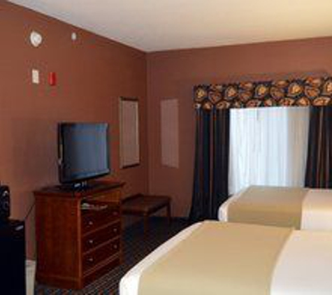 Holiday Inn Express & Suites Suffolk - Suffolk, VA
