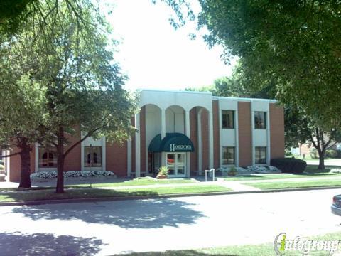 Hamilton S Funeral Home 605 Lyon St Des Moines Ia 50309