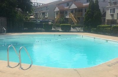 Kaal Rock Manor Apartments Reviews
