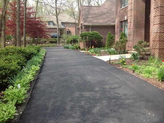 T Burkes Asphalt & Concrete Paving - Ann Arbor, MI