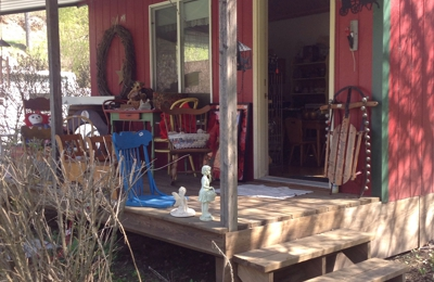 E-Z Country Collectibles & More - Westby, WI