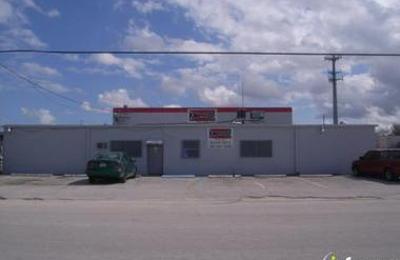 Fast Boys Wings - Jacksonville, FL