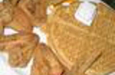 Gladys Knight & Ron Winan's Chicken And Waffles - Atlanta, GA