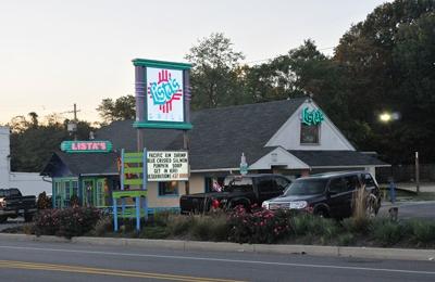 Listas Grill - Pasadena, MD