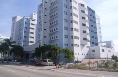 Sherry Frontenac Oceanfront Hotel - Miami Beach, FL