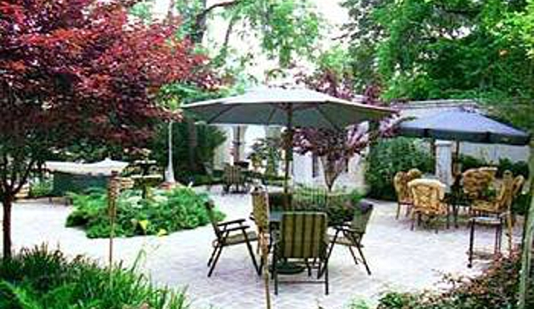 The Cottage Bed & Breakfast & Restaurant - Monticello, FL