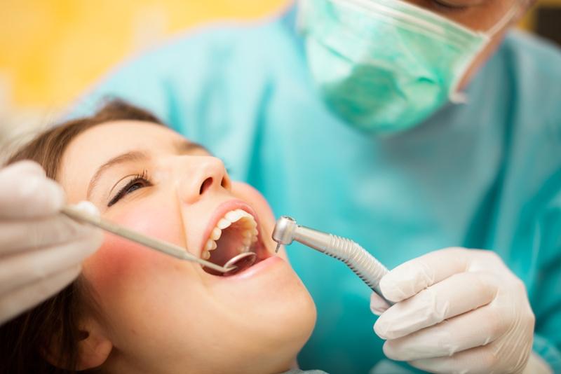 dental implant, dentist