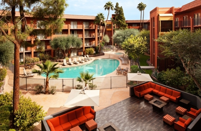 Holiday Inn Hotel & Suites Phoenix Airport North - Phoenix, AZ