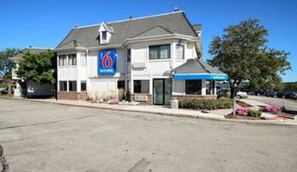 Motel 6 - Brookfield, WI