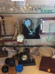 B & D Trophies & Awards