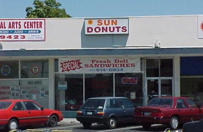 Sun Donuts & Louisiana Fried Chicken - San Leandro, CA