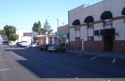 La Pinata Mexicatesen - San Mateo, CA