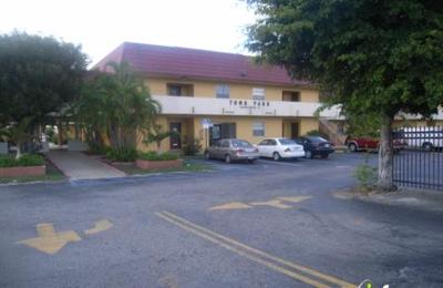 Town Park Apts - Miami, FL