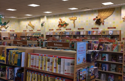 Barnes & Noble Booksellers - Glendale, CA. Enormous kids section!