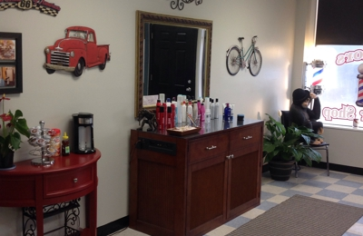 Taylors Barber Shop - Taylors, SC. Men,women & children