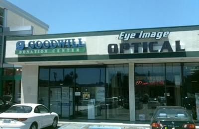 Goodwill Stores - Tarzana, CA