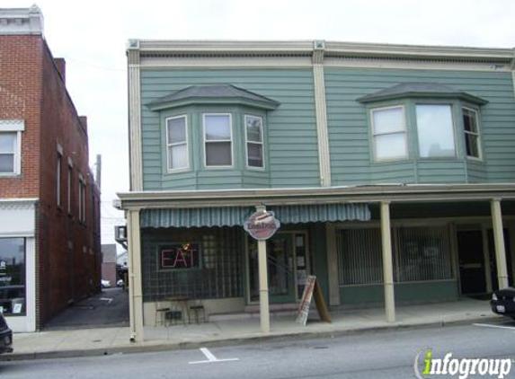 Dan's Dogs A Hot Dog Eatery - Medina, OH