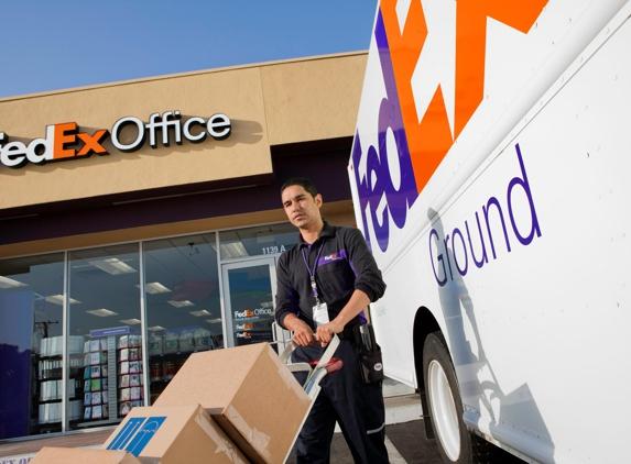 FedEx Office Print & Ship Center - Riverside, CA