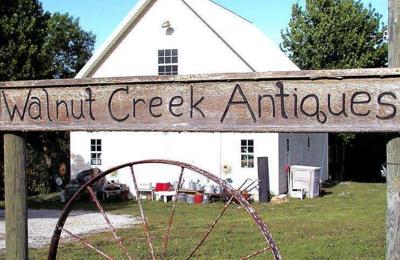 Walnut Creek Antiques - Hiawatha, KS