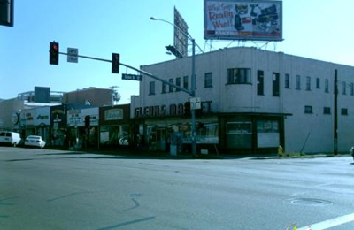 Puffs & Snuffs Smoke Shop - San Diego, CA