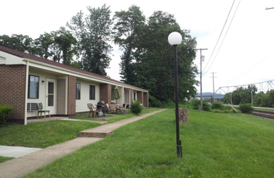 Chapel View Apartments - New Martinsville, WV
