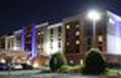 Holiday Inn Express & Suites Newport News - Newport News, VA