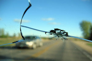 cracked-windshield