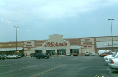 Michaels - The Arts & Crafts Store - Selma, TX