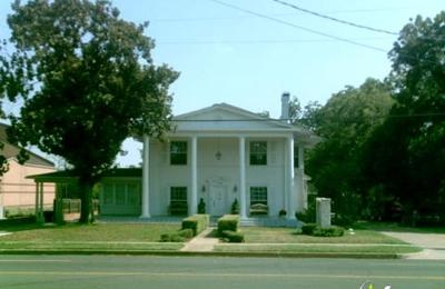Salon At Vaught House - Arlington, TX