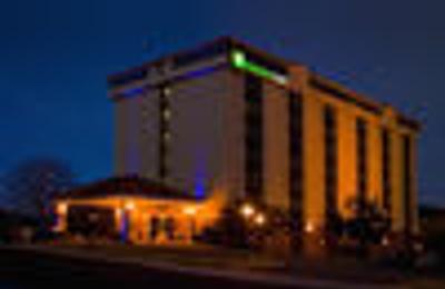 Holiday Inn Express San Antonio-Airport - San Antonio, TX