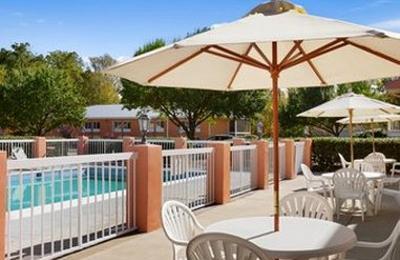 Baymont Inn & Suites - Warrenton, VA