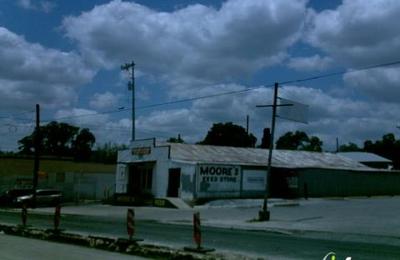 Moore's Feed & Seed - San Antonio, TX