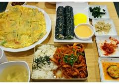 Big Rice Korean Cuisine - Temple City, CA. Seafood pancake, Tuna rice rolls, spicy pork rice box.