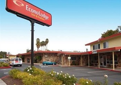 Econo Lodge Inn & Suites Oakland Airport - Oakland, CA