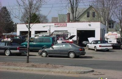 Mickey's Towing & Repair Station Inc - Bridgeport, CT