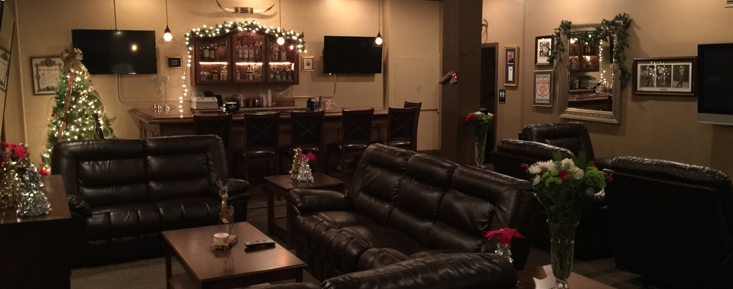Great room for parties. Plenty of TV's for sports or club meetings!