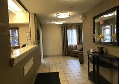 Candlewood Suites Chicago/Naperville - Warrenville, IL