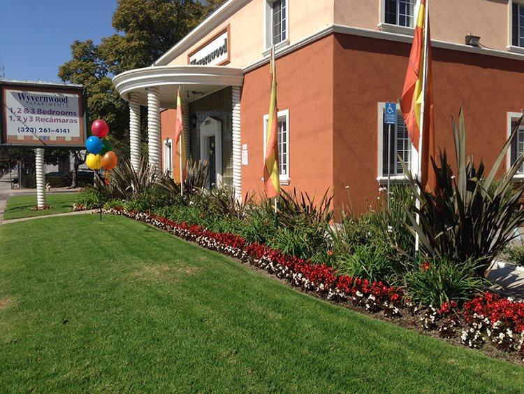 Wyvernwood Garden Apartments 2901 E Olympic Blvd Los Angeles Ca 90023 Yp