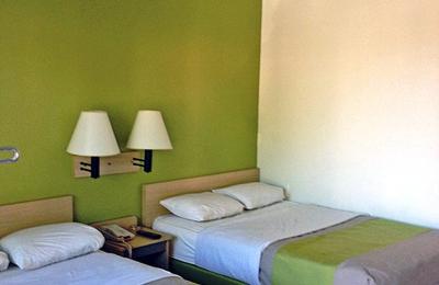 Motel 6 Colorado Springs - Colorado Springs, CO