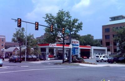 Exxon - Alexandria, VA