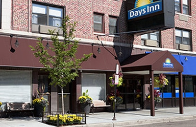 Days Inn Chicago - Chicago, IL