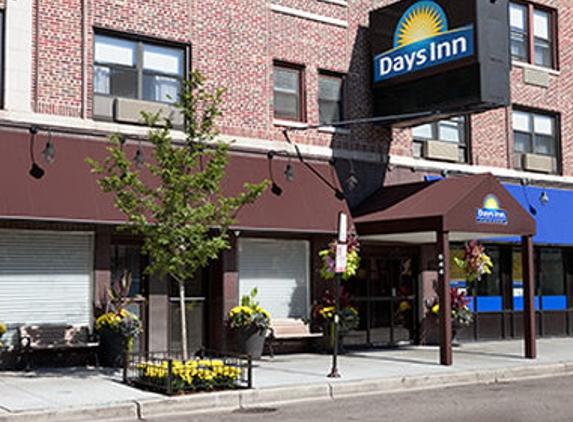 Days Inn Chicago - Chicago, IL
